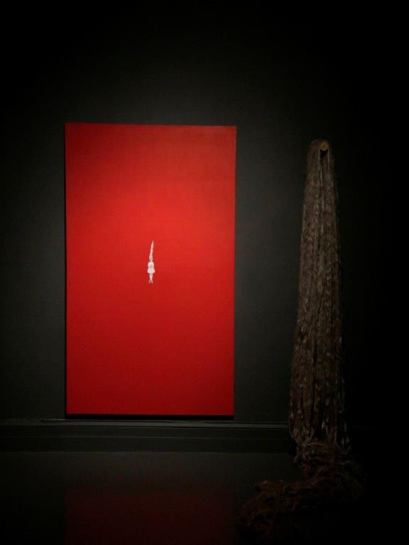 Alice Maher, familiar 1, 1994, Acrylic on canvas, flax and wood, 250 x 250 cm, Collection Irish Museum of Modern Art, Purchase, assisted by funding from Maire and Maurice Foley, 1995 © the artist Photography: Colm Hogan